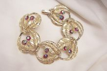 Happy Holidays! Many items Holiday sale priced with 20 to 60% off Visit my Plaza shop open till 12/31     Bold Magnificent Fire Red Aurora Borealis Rhinestone Link Bracelet Near Mint condition