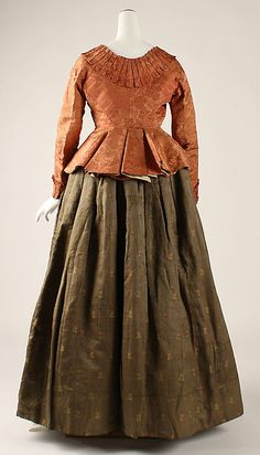 Ensemble c18th century Culture: probably Austrian Medium: silk Dimensions: [no dimensions available] Accession Number: C.I.39.13.203a–c For more views, see other pins.