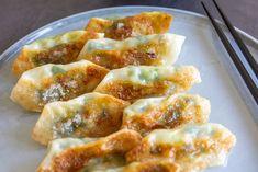 Homemade Chicken Pot Pie, Wontons, Spring Rolls, Dim Sum, Dumplings, Asian Recipes, Love Food, Tapas, Sushi