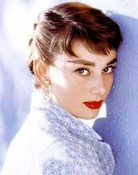 Love red lips and a heavy brow! Audrey Hepburn, Beauty Icon.