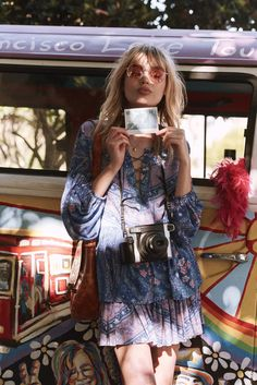 A trip through memory lane with the latest Spell Designs collection called Celestial! Think hippie-chic with a little psychedelic shot against the beautiful background of San Francisco. Hippie Chic, Hippie Style, Bohemian Mode, Gypsy Style, Bohemian Style, Boho Chic, Bohemian Fashion, Modern Hippie, Bohemian Gypsy