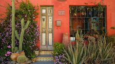 I love the bright happy colors in this Arizona home....