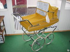 .... Pram Stroller, Baby Strollers, Vintage Pram, Prams And Pushchairs, Baby Prams, Baby Carriage, Wheelbarrow, Kids And Parenting, Retro