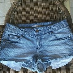 💟 Denim Striped Shorts 💟 Adorable Pin Striped Denim Shorts With Eyelet Pockets And Back Ruffle Trim Pockets Forever 21 Shorts Jean Shorts