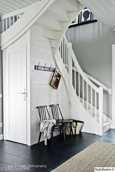 Our Home - Our lifestyle. Cottage Stairs, Staircase Storage, Entry Hallway, Under Stairs, Wooden House, Scandinavian Home, House Rooms, Interior Decorating, Sunroom Decorating