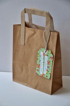 handmade business card luggage tag tied to bag Craft Stall Display, Bag Display, Craft Show Booths, Craft Fair Displays, Craft Show Ideas, Display Ideas, Paper Party Bags, Paper Bag Crafts, Paper Bags