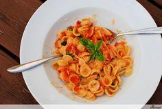 Orechiette mit geschmolzener Tomatensauce