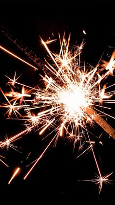 Sparkly Fireworks iPhone Wallpaper Collection – So. u Sparkly Fireworks iPhone Wallpaper Collection – So. Tumblr Wallpaper, Screen Wallpaper, Wallpaper S, Wallpaper Backgrounds, Fireworks Wallpaper Iphone, Iphone Wallpaper Lights, Iphone Wallpaper Preppy, New Year Wallpaper, Wallpapers Android