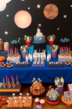 Best Picture For Two the moon birthday party balloons For Your Taste You are looking for something, and it is going to tell you exactly what you are looking for, and you didn't find that picture. Nasa Party, Space Baby Shower, Astronaut Party, Outer Space Party, Moon Party, 6th Birthday Parties, 2nd Birthday, First Birthdays, Decoration