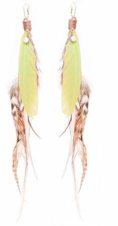 Deze heb ik in een andere kleur ;) => Melz Jewelry veren oorbellen limegroen - Kinderkleding Zazou