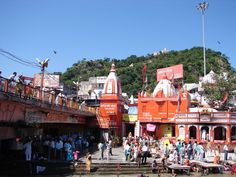 #magiaswiat #Haridwar #podróż #wakacje #zwiedzanie # indie #blog #ghaty #ganges #rzeka Haridwar, Times Square, Dolores Park, Indie, Blog, Travel, Viajes, Blogging, Destinations