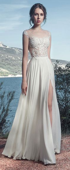 Gorgeous Tulle & Chiffon Scoop Neckline See-through A-Line Wedding Dresses With Lace Appliques