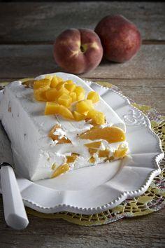 Ένα δροσερό και απλό γλυκάκι που είναι ό,τι πρέπει όταν η θερμοκρασία αρχίζει να παίρνει την... άνω βόλτα! Greek Sweets, Greek Desserts, Cold Desserts, No Cook Desserts, Dessert Drinks, Summer Desserts, Easy Desserts, Jello Recipes, Sweets Recipes