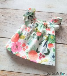 Learn to sew a simple diy peasant dress pattern with this easy sewing tutorial and free PDF pattern in sizes 12 month to 12 years. Sewing Baby Clothes, Baby Clothes Patterns, Sewing Patterns For Kids, Sewing For Kids, Peasant Dress Patterns, Doll Dress Patterns, Peasant Dresses, Baby Dresses, Little Girl Crafts