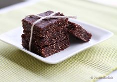 Cashew, Almond & Cocoa Raw Energy Bar | Healthy Malaysian Food Blog & Food Recipes