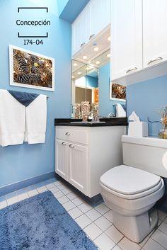 El color azul es uno de los más utilizados para darle vida a las paredes de los baños pues su efecto es de relajación, tranquilidad y recuerda al mar y al agua.