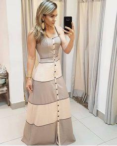 A imagem pode conter: 1 pessoa, em pé Trendy Dresses, Simple Dresses, Cute Dresses, Beautiful Dresses, Casual Dresses, Fashion Dresses, Summer Dresses, Dresses Dresses, Casual Shoes