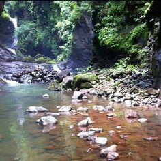 Tamanique,con sus cascadas y rios,uno de los más limpios de el Salvador.