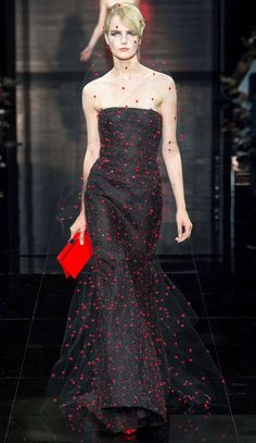 Red dotted black tulle strapless mermaid gown Giorgio Armani Privé Fall Winter 2014 #Couture Paris Fashion #Fall2014 #HauteCouture