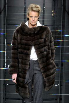 Fur Fashion, French Fashion, High Fashion, Autumn Fashion, Womens Fashion, Fur Jacket, Fur Coat, Cool Coats, Mode Outfits