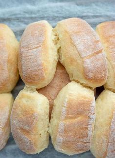 Bread Recipes, Snack Recipes, Cooking Recipes, Spanish Bread, Homemade Dinner Rolls, Good Food, Yummy Food, Polish Recipes, Creative Food
