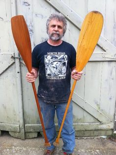 How to Carve a Canoe Paddle in Your Spare Time Canoe Camping, Canoe Trip, Canoe And Kayak, Kayak Fishing, Canoe Paddles, Fishing Boats, Wooden Canoe, Wooden Paddle, Wooden Boat Building
