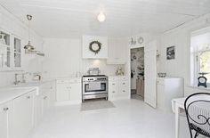 Love the pantry in the corner