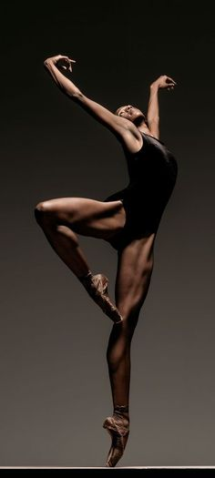 theballetblog:  Courtney Henry, Alonzo King's Lines Ballet by Joao.Almeida.d.Eca