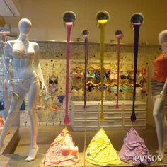 vidrierista, escaparatista  Visual merchandising. Decoramos vidrieras y esca ..  http://centro.evisos.com.uy/vidrierista-escaparatista-id-299368