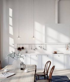 These minimalist kitchen concepts are equal components serene and stylish. Find the most effective concepts for your minimalist style kitchen that fits your taste. Browse for remarkable images of minimalist design kitchen for inspiration. Real Kitchen, Kitchen Dinning, Kitchen Wood, Kitchen White, Loft Kitchen, Skandi Kitchen, Kitchen Ideas, Kitchen Trends, Kitchen Cabinets