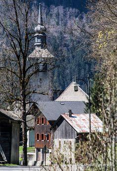 Taken 22/04/15.  Sixt-Fer-à-Cheval, à découvrir à visiter avec les @GuidesGPPS !  http://www.gpps.fr/Guides-du-Patrimoine-des-Pays-de-Savoie/Pages/Site/Visites-en-Savoie-Mont-Blanc/En-Faucigny-74/Vallee-du-Giffre/Sixt-Fer-a-Cheval