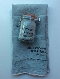 pellavapyyheliina . 65x45cm . väri aqua . myydään lasipurkissa