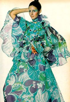 Photo by Irving Penn, 1970. 1970s, fashion, womenswear, style