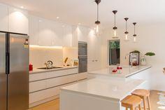 modern white kitchen by KMD Kitchens Auckland Kitchen Makeovers, Kitchen Renovations, Beautiful Kitchens, Auckland, New Kitchen, Kitchen Design, Bathtub, Modern, Furniture