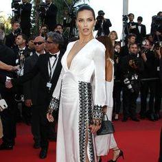 Adriana Lima, un ange - de Victoria's Secret - sur le tapis rouge. (Cannes, 17 mai 2016.)