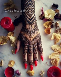 Lovely design for a special day ❤ #byme #ciuliahennaart #henna #hennadesign #wedding #tattoo #design #hennatattoo #rednails #art #ilovehenna #work #love #girl #mehndi #artisticphoto #rose