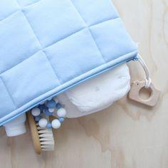 De mooiste baby artikelen van Bella Buttercup vind je bij Atelier BéBé, online op www.atelierbebe.be of in onze winkel te Mechelen!