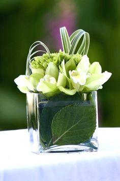 """Résultat de recherche d'images pour """"modern floral arrangements"""""""