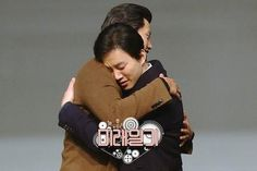 """「2PM」テギョン&ジュノ、""""野獣ドルから野獣のお爺さんに変身"""" 韓国アイドルグループ「2PM」のテギョンとジュノが、未来に旅をしてデビュー時代を思い出し、「有名になろうと何でもした」と語った。24日に放送されるMBCのバラエティ番組「未来日記」では、自他共に認める""""野獣ドル""""「2PM」が未来旅行に旅立って、""""野獣のお爺さん""""に変身する予定だ。テギョン(2PM)は、未来旅行に一緒に旅立つメンバーを探したが、相次ぐ拒絶に挫折した。一歩遅れて現われたジュノが、いったい何なのかとあ..."""