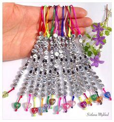 """Cadeux de remerciement. Lot de 10 pendentifs réversible """"Merci"""". : Pendentif par perles-et-couronnes"""