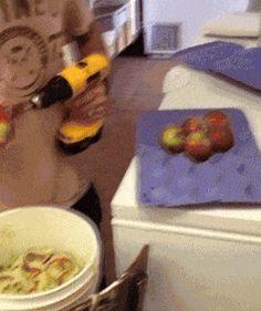 Como cortar fruta à campeão ~ curiosityFlux