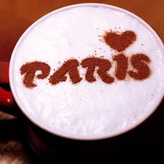 Paris. Stencil art cofee. Amour. http://loover.fr