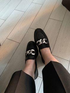 Pool Slides, Look Fashion, Sandals, Shoes, Shoes Sandals, Zapatos, Shoes Outlet, Shoe, Footwear