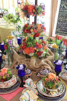 ♥ #tablescape (flower pots on the plates)
