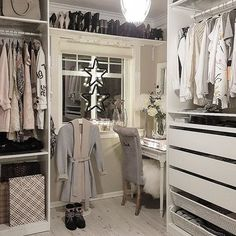 "3,408 Likes, 25 Comments - Interior & Design Inspiration (@classyinteriors) on Instagram: ""Beautiful walk-in closet 🌸✨ Tag your friends for inspiration 💞 Credit: @hanas_home 👌 ▫️ ▫️ ▫️ ▫️ ▫️…"""