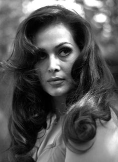 Image discovered by Deniz Önal. Find images and videos about beautiful, black and white and Türkan soray on We Heart It - the app to get lost in what you love. Turkish Beauty, I Icon, Old Actress, Turkish Actors, Black And White Pictures, Famous Faces, Beauty Women, Most Beautiful Pictures, Actors & Actresses