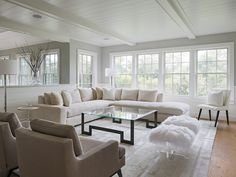 Bright white living room, white sectional sofa, cozy living room decor सजावट लिविंग सजावट Chambre à coucher 沙发 Living Room Decor Cozy, Living Room Sets, Living Room Designs, White Sectional Sofa, Living Room Sectional, Home Interior, Interior Design, Interior Decorating, Color Interior