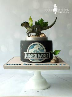 This Jurassic World Velociraptor Cake is Amazing!