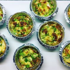Breakfast muffins of asparagus and spring onions