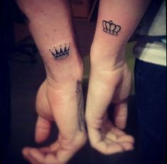 One of the best bonding experience a couple can ever have is to go get tattoos together, it's even better if they get romantically themed tattoos. Here is a gallery of some of our favorite couples tattoos and other romantic ink. Queen Crown Tattoo, King Queen Tattoo, Crown Tattoo Men, Name With Crown Tattoo, Simple Crown Tattoo, Crown Couple Tattoo, Future Tattoos, New Tattoos, Small Tattoos